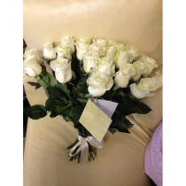 Букет из 21 кремовой розы
